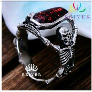 Sterling vampire skull ring sz 9